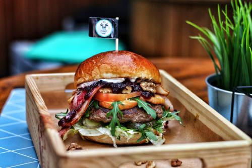 Burger klasyczny w burgerowni krowa mać jastrzębie zdrój wodzisław Śląski